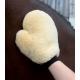 Čistiaca rukavica z jahňacej kožušiny